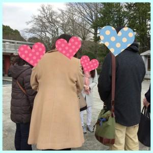 成田山でグループ行動
